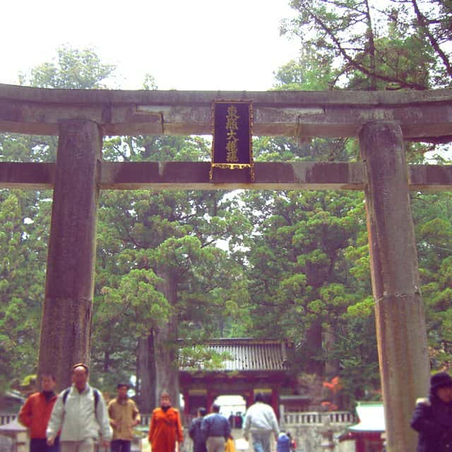 Learn more about the etiquette and customs of visiting a Japanese temple!