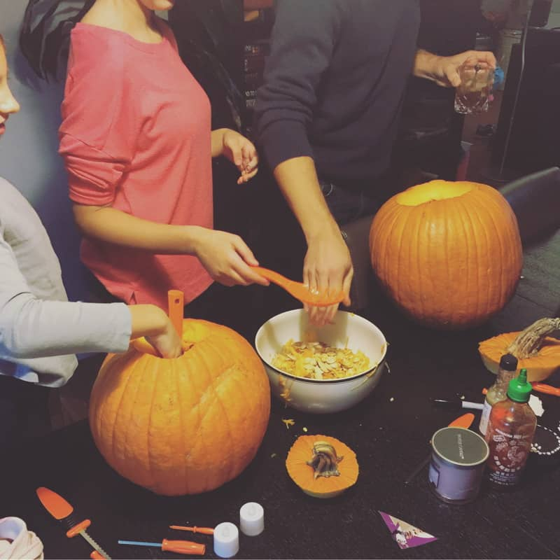 All the things that happened in the week ending October 28, 2018 including pumpkin carving, more pottery, and I finished writing Flyght 2!